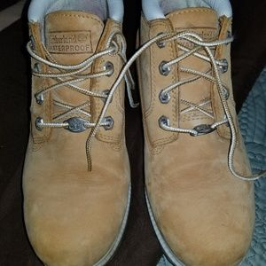 Timberlands tan ankle boots